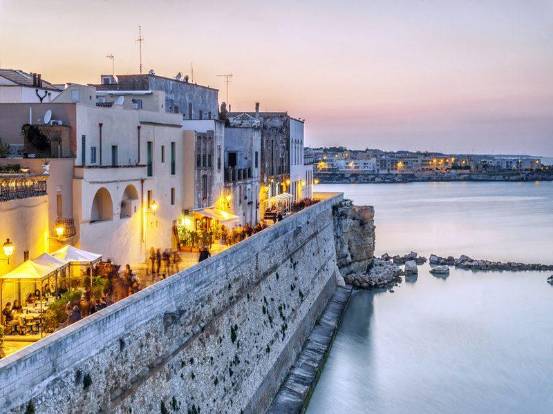 Otranto-di-sera-800x600